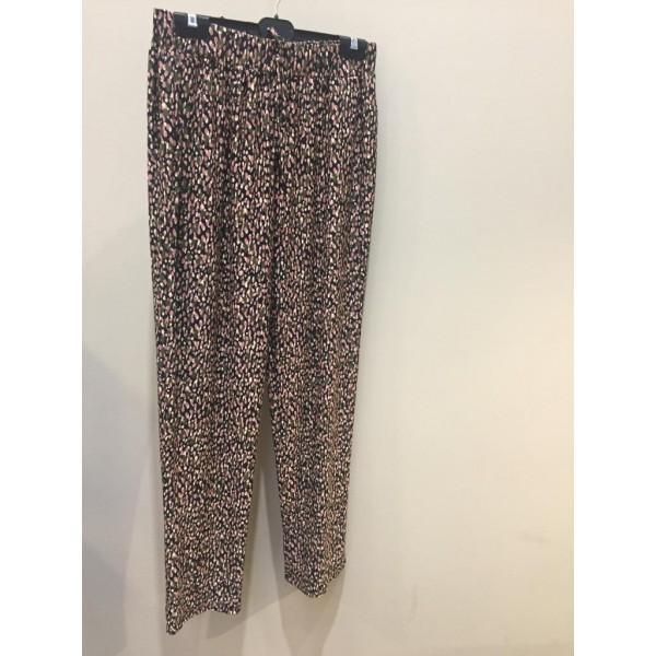 Pantalón estampado con dibujos pequeños en varios colores y goma  en la cintura - 1